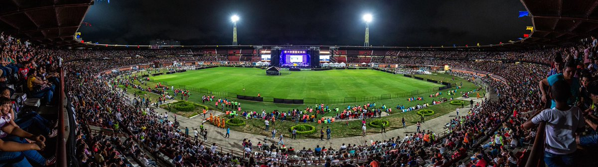 The stadium in Cúcuta was filled again tonight w/an incredible crowd of 42,500! Cúcuta, Colombia, sits right on the border w/Venezuela, &amp; people were there from both countries. We praise God for each one who came &amp; for every heart that was changed for eternity by the Gospel. <br>http://pic.twitter.com/Ij318oSEN5