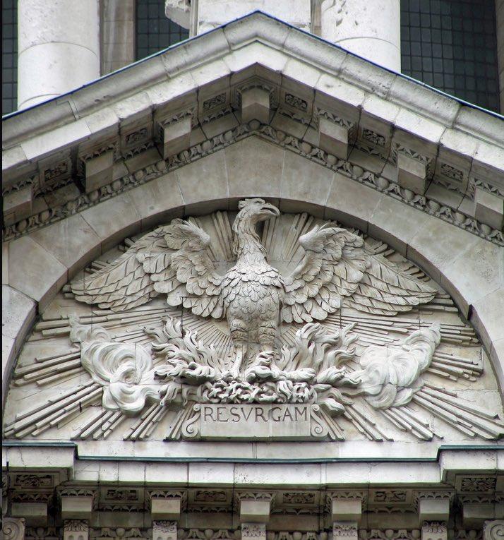 Resurrexit sicut dixit ! Joyeuses Pâques à tous ! En souhaitant à #NotreDame de Paris, cette expression trouvée sous les décombres quand la cathédrale Saint-Paul de Londres fut détruite en 1666 : Resurgam ! #paques2019 #HappyEaster #Wielkanoc2019