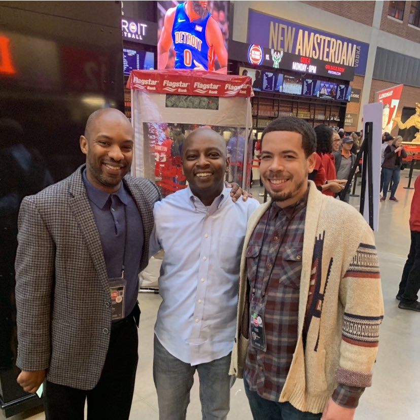 My #Pistons lost, but today was a good day! These guys are the best! @detnewsRodBeard @JLEdwardsIII