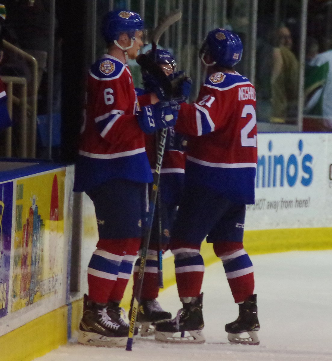 Make the final: #Edmonton #OilKings 4, #PrinceAlbert #Raiders 3. Oil Kings hold 34-29 edge in shots on goal. Best-of-seven #WHL Eastern Conference Championship series tied 1-1. #PAvsEDM.