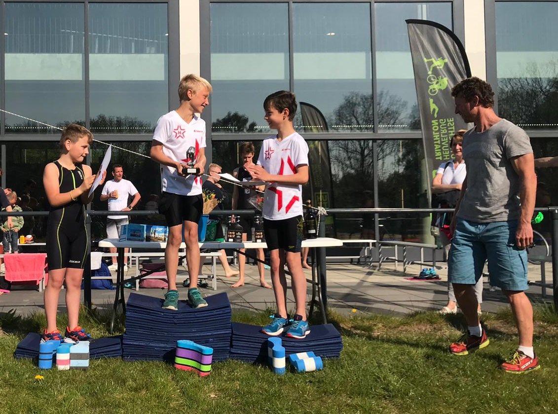 test Twitter Media - @HellasUtrecht @hellastriathlon  2x op het jeugd podium bij de #Paaszwemloop vandaag - gefeliciteerd #ArendWijnalda en #FlorisvandeVen !   ☀️🥚🏊♂️🏃🏽♀️🐇☀️ https://t.co/g91LUYRnka