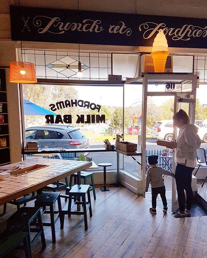 Top 12 Kid Friendly Cafes in #Melbourne  https://t.co/xnDAQFAFBJ https://t.co/IB7IMcevqy
