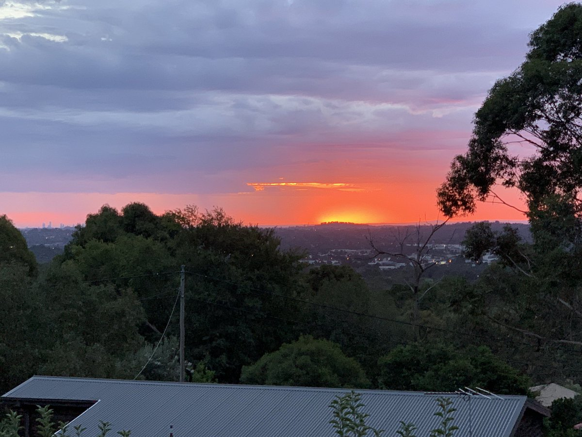 The view from my back deck! #Melbourne https://t.co/NLlfXZeG8e