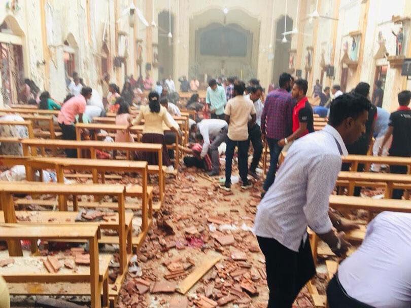 Más de 100 muertos dejan varios atentados en iglesias y hoteles de #SriLanka