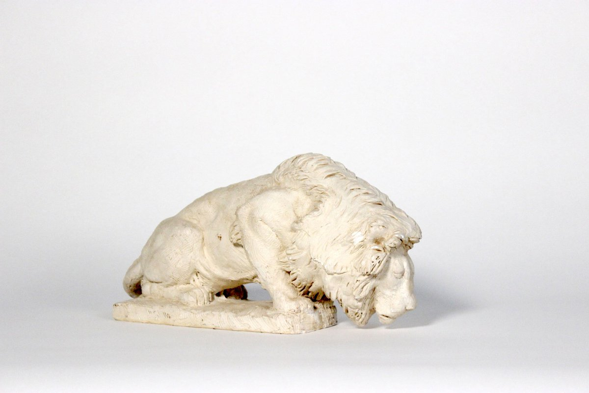 """What is the symbolism behind animals & depictions on builidngs? After dinner, head to the @BuildingMuseum to explore the new """"Animals, Collected,"""" which features works that trace the history of animals & their relationship to well-known structures. http://ow.ly/3EBM30ou74P"""