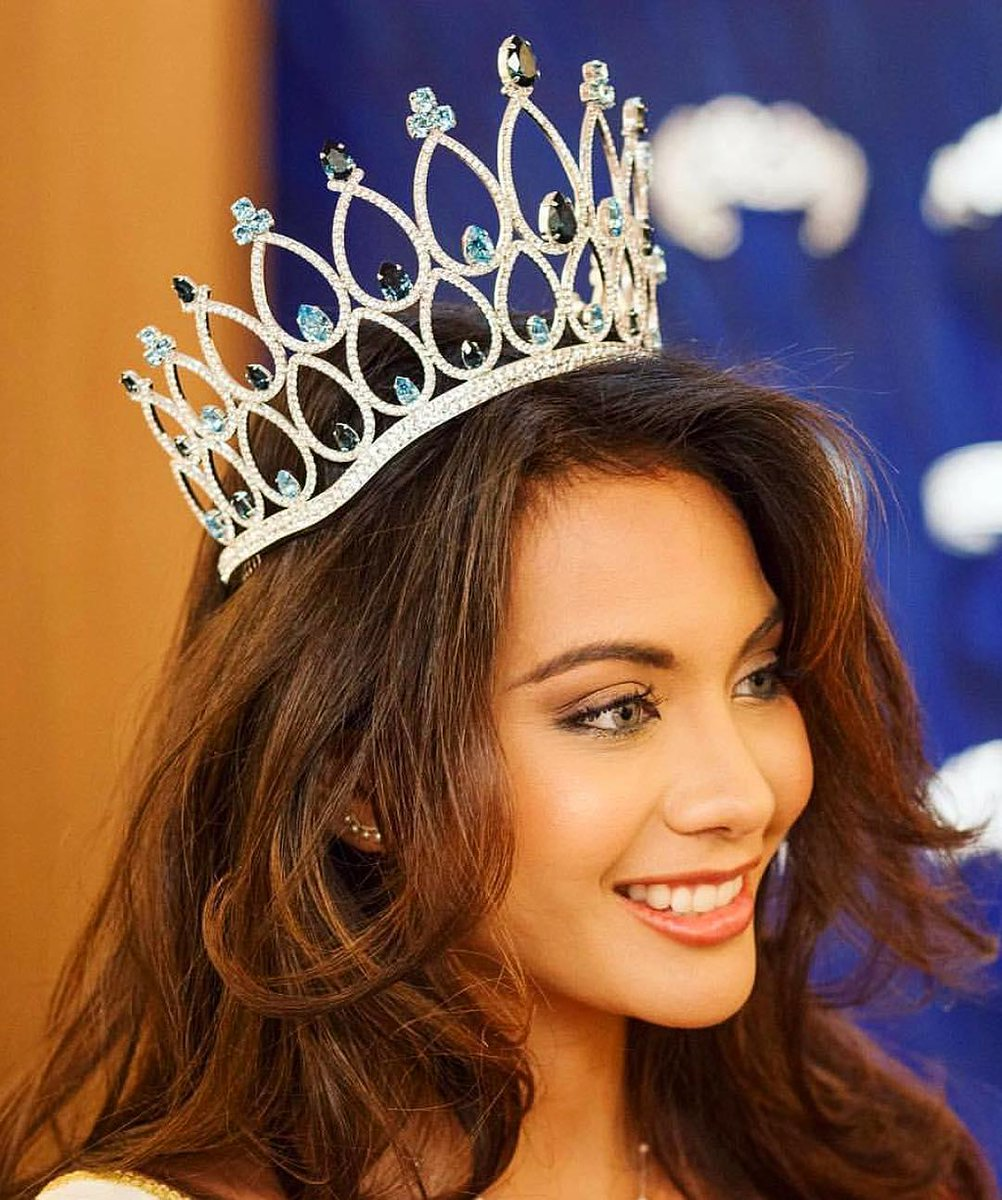 The Stunning  Miss France 2019  • Vai Chaves  #MissUniverse  <br>http://pic.twitter.com/80Q5w3Qz1j