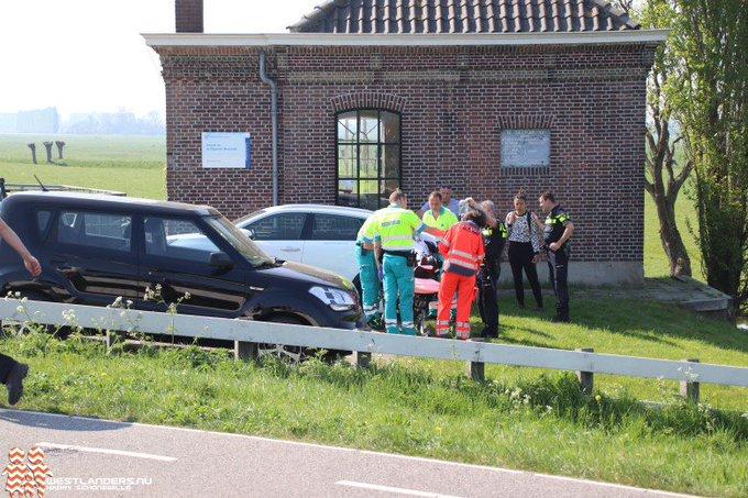 Medische noodsituatie aan de Molenweg https://t.co/SEwO2Jx0wV https://t.co/OYmXt7tWgD
