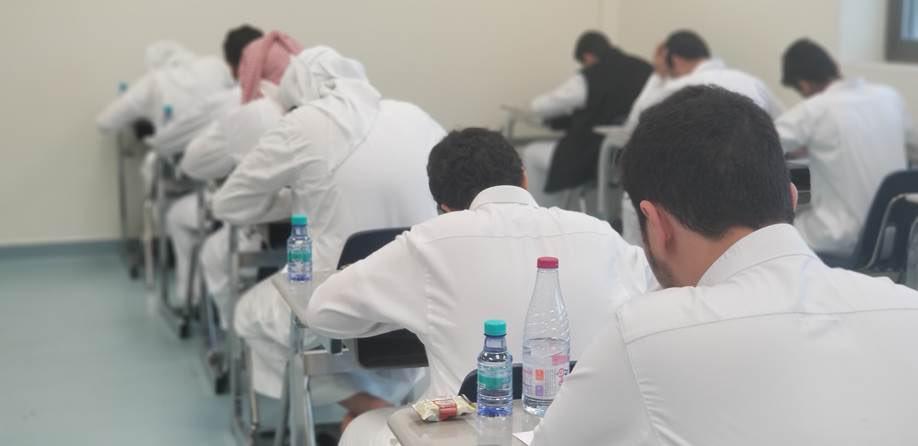 أكثر من (7200) طالب يؤدون #الاختبارات بمدارس #الهيئة_الملكية بالجبيل  دعواتنا للجميع بالتوفيق والنجاح