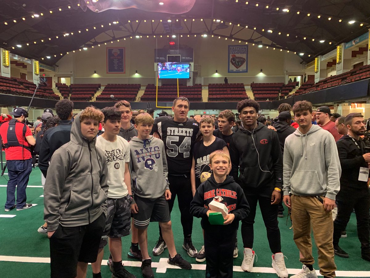 Congratulations to @Coachryan9254 and the NY Streets on their win over the Orlando Predators. Lots of #Mavericks were there in support @coachcosmo25 @vin_scarola @LacksJustin #Family