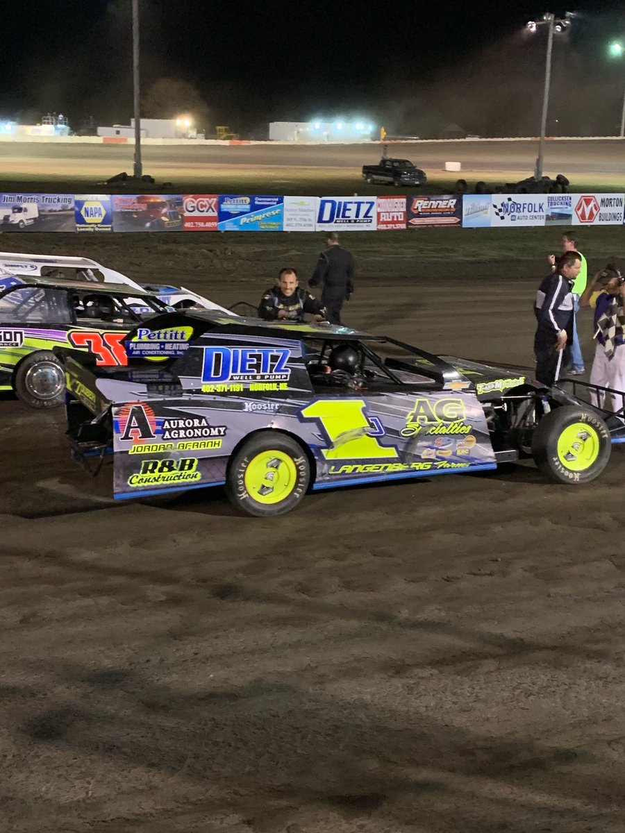 We had a good opening night at offroad speedway picking up the win on the last lap!!   Thanks to all who help and support!!   #gohighmyson #wfo<br>http://pic.twitter.com/pRAIiqZH5Z