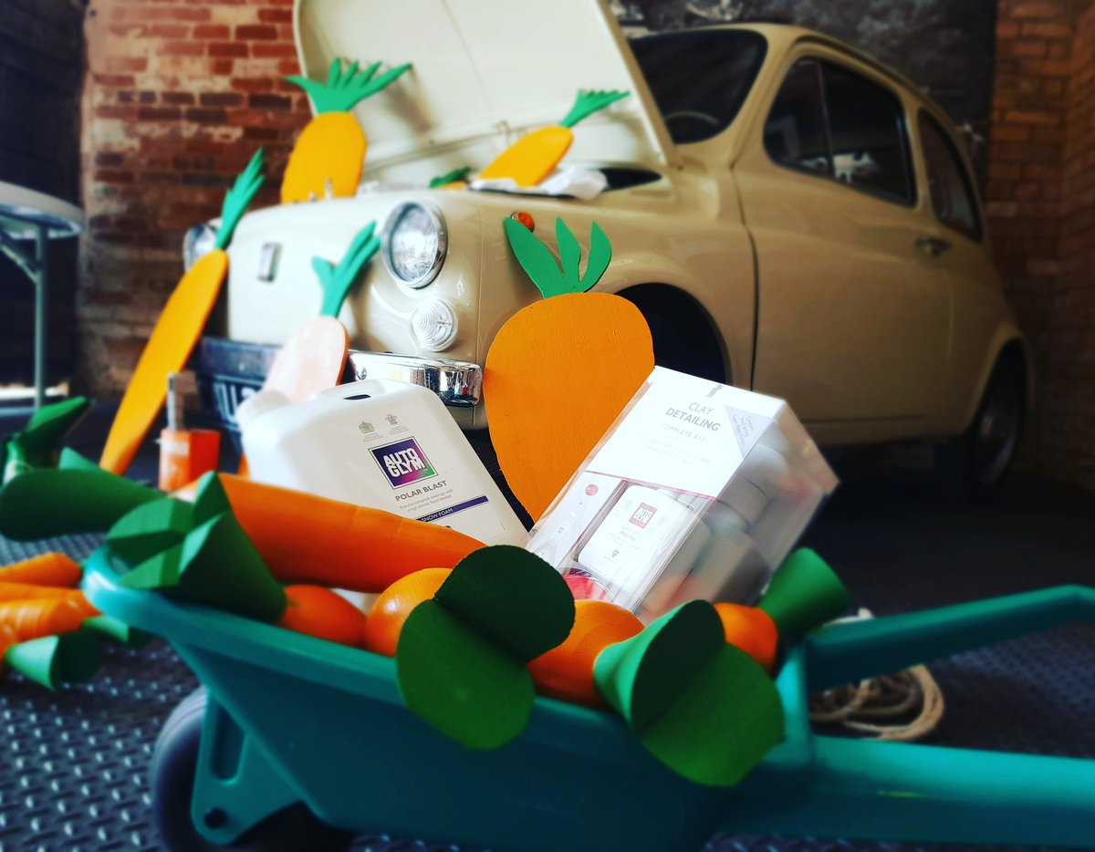 Easter Bunny has been cleaning his car today @autoglym  #fiat500