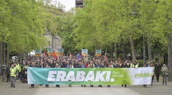 [GALERÍA DE FOTOS] Euskal Herria celebra su Aberri Eguna https://www.naiz.eus/eu/mediateca/image_gallery/euskal-herria-celebra-su-aberri-eguna…