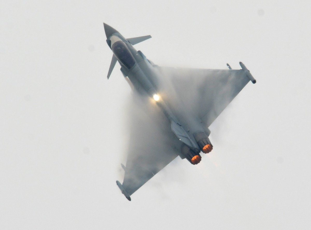 """Happy #EasterSunday everybody! • With such beautiful weather all over the UK we thought we'd leave this one here - with a flash of strobe through a """"fluffy"""" #typhoon to add to the brightness we've had outside ☀️ #strobesunday #phoontime • 📸 credit: @Scotty2681 🙏🏼👌🏼"""