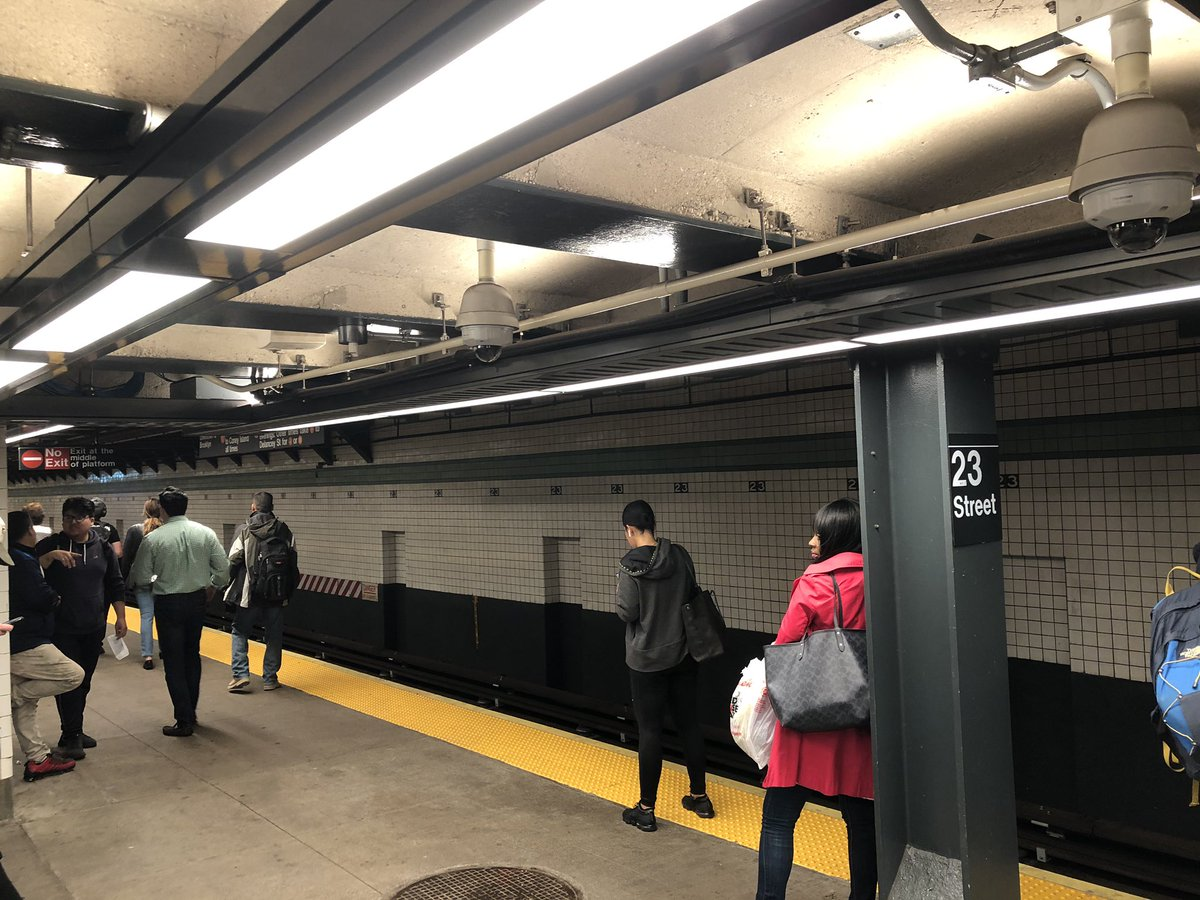 All the older subway stations should look like this (plus elevators). Very  impressive. @NYCTSubway #nycsubway pic.twitter.com/c0i2Cje1vM