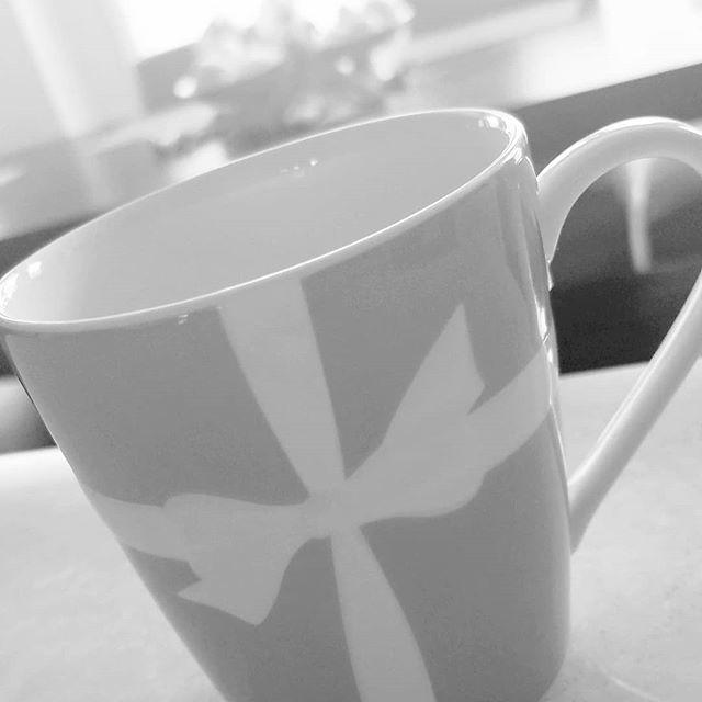 Breakfast at Tiffany's . . . . #thebrainybroker #thebrainybrokerpodcast #sundayfunday #realtorforlife#happyeaster #lifeingrayscale #PrettyFeed #ladiesofinstagram #BestLife #finerthingsclub  http:// bit.ly/2IKj17z    <br>http://pic.twitter.com/lxUqOPBjQr