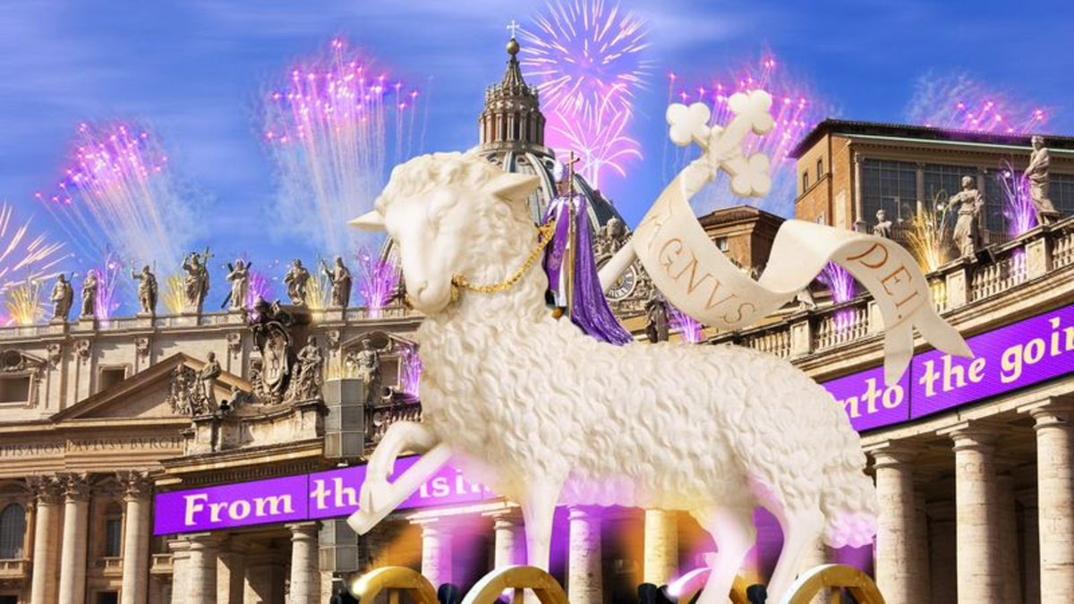 Pope Francis Rides Into St. Peter's Square On Giant Glowing Lamb For Easter Mass trib.al/ZaIid6I