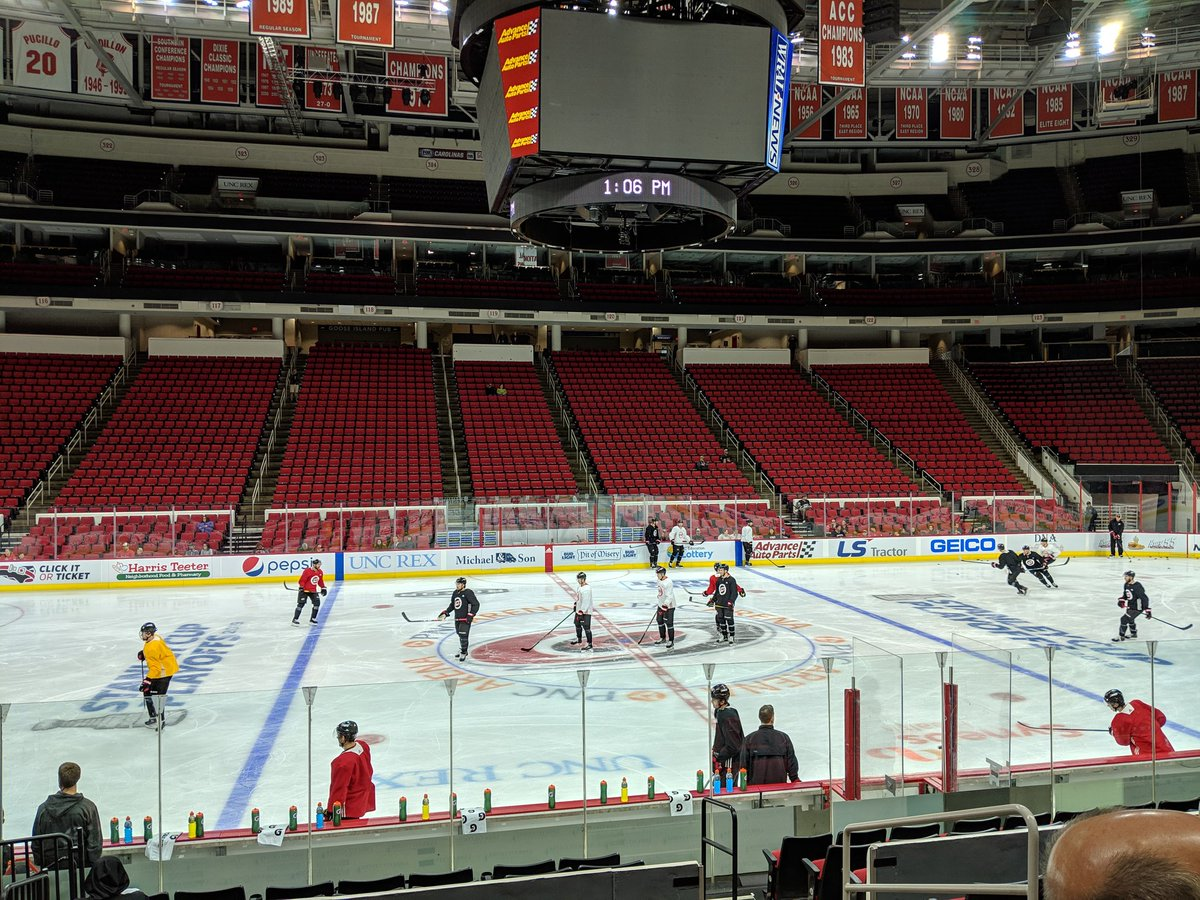 RT @MSmithCanes: Back to work for the #Canes. Andrei Svechnikov still in yellow and the full face cage. https://t.co/uHI9gEgn2Z