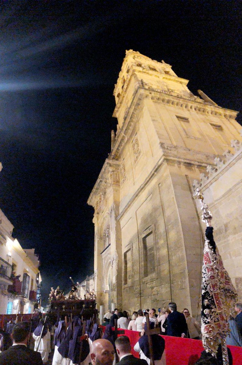 Martes Santo: @PasiondeLinares @santafazcordoba