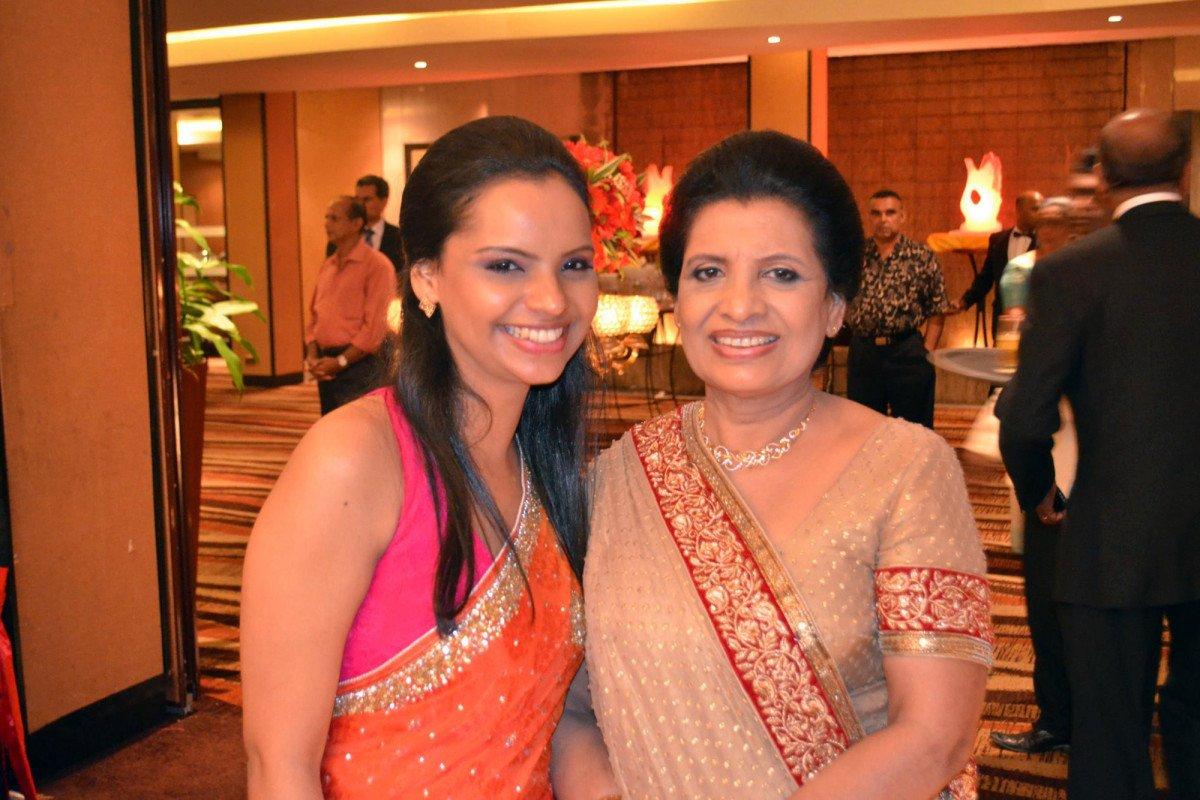 Celebrity chef, daughter killed in Sri Lanka bombings https://trib.al/YnnVGQ0
