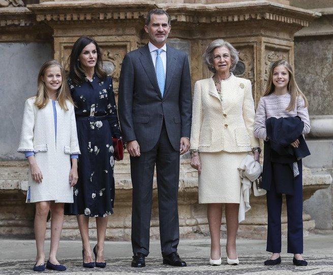 Члены испанской Королевской семьи посетили Пасхальную мессу на Майорке