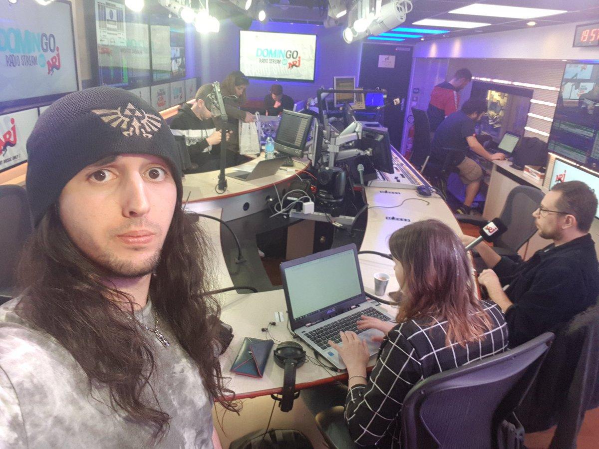 Aie aie aie en direct avec les kheys sur NRJ ce soir héhé twitch.tv/domingo #RT