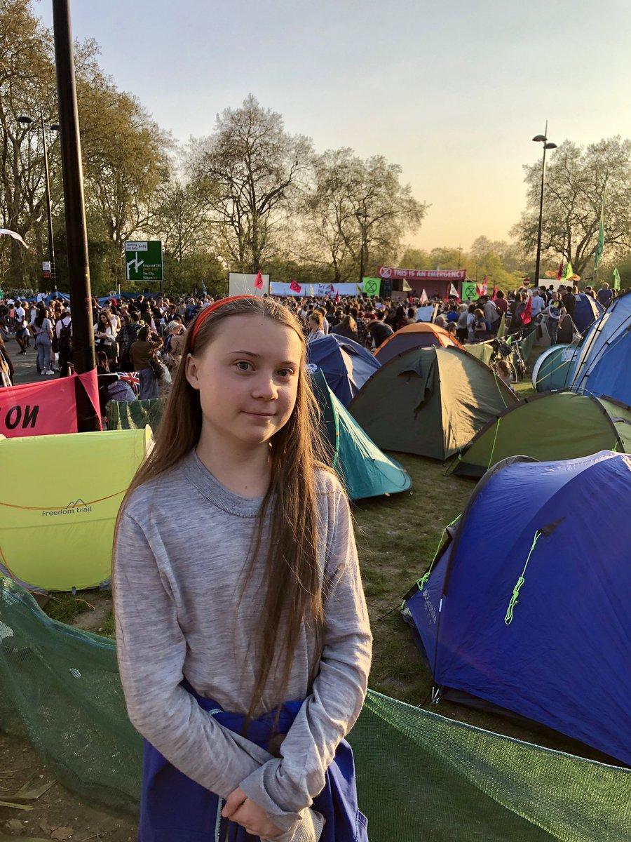 Made it to London! #extinctionrebellion #jointherebellion https://t.co/v05XWEBjCC