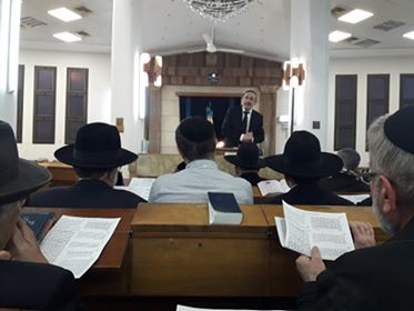 From @IsraelBayit : Rav Meir Goldvicht giving shiur about #Pesach tonight in #Jerusalem, #Israel.  #Jews #Judaism #Passover