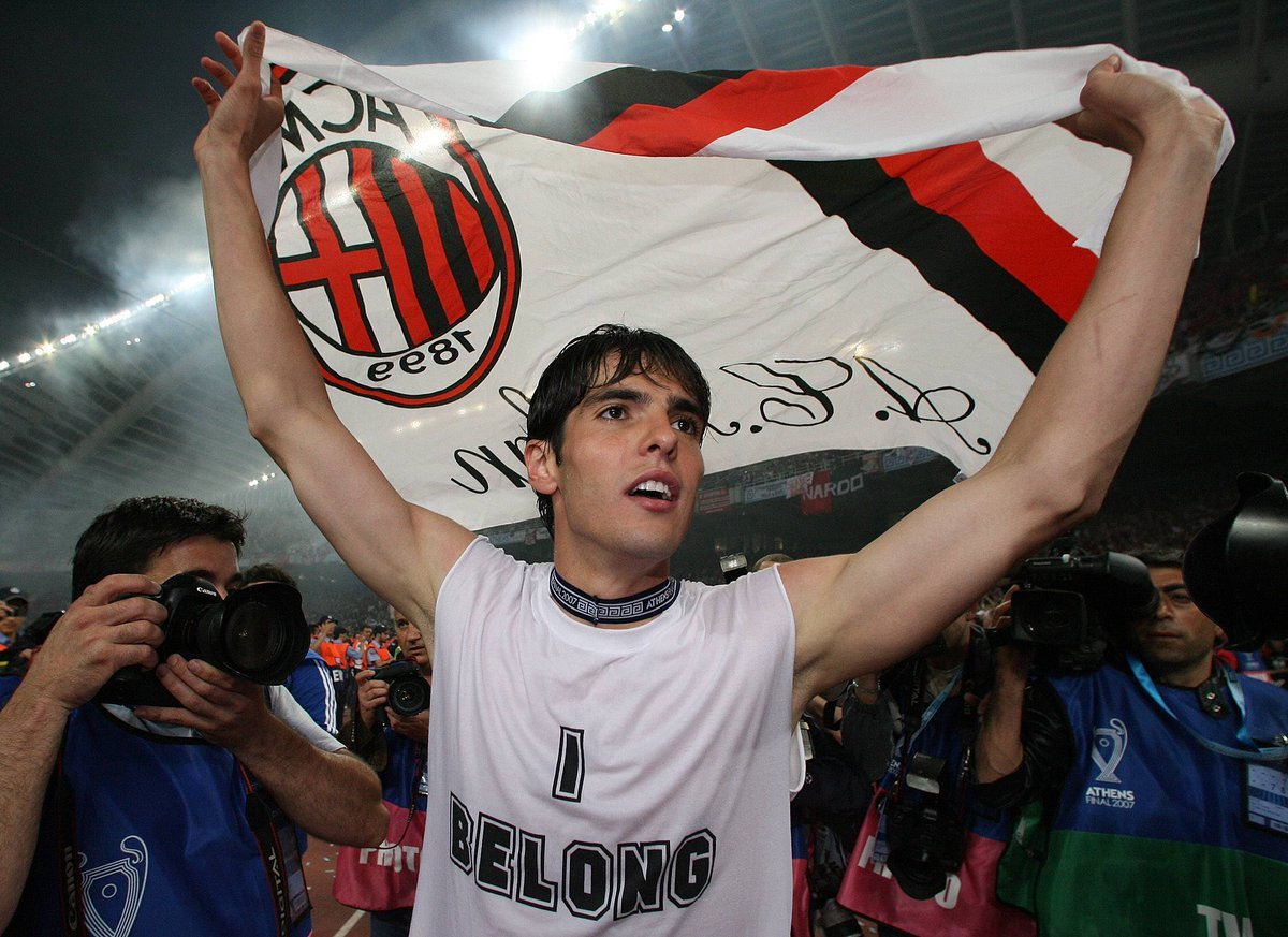 Happy 37th birthday to the man that finished ahead of Lionel Messi and Cristiano Ronaldo to win the 2007 Ballon dOr. Parabéns, Kaká. 🇧🇷
