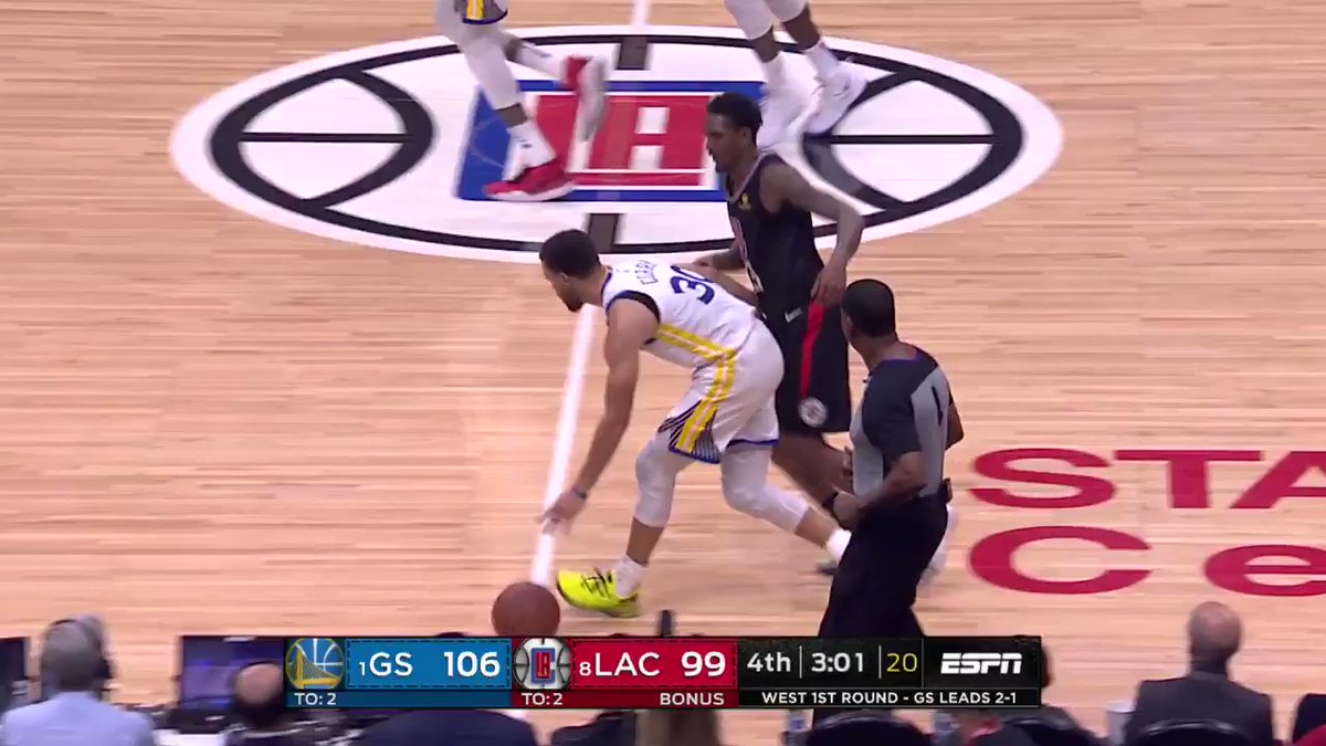 Steph splits the defense and flips it off the window! #NBAPlayoffs #StrengthInNumbers 111 #ClipperNation 100 1:53 left on #NBAonABCpic.twitter.com/ppoi5F7OlW http://srhlink.com/R3FdYt