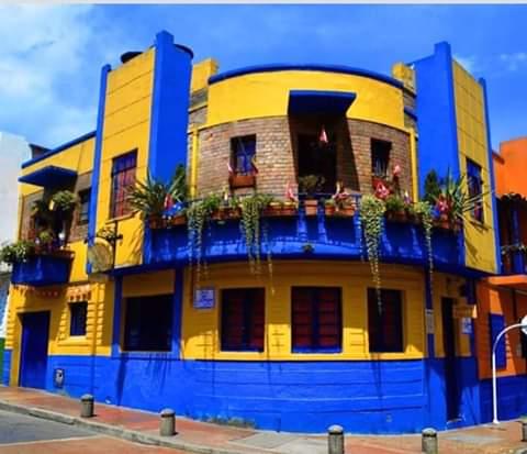 Os imagináis una casa así! A lo BOCA de Maradona, Palermo y Riquelme...se vive mejor! 💙💛💙