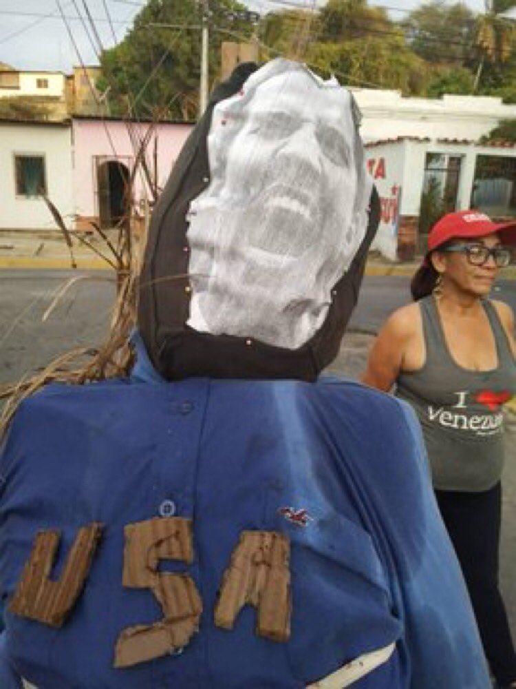 (Fotos) Ya no lo quiere nadie: Juan Guaidó fue el Judas más quemado por los venezolanos D4tfndQX4AAwOJR