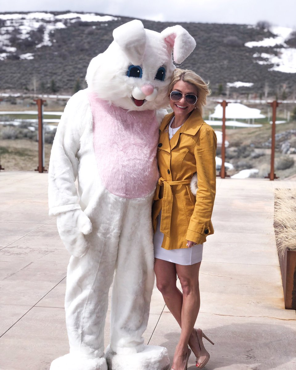 Annual bunny photo and Easter Brunch at @Promontoryclub! #EasterSunday2019 #easteroutfit <br>http://pic.twitter.com/tPxjqhTS3r