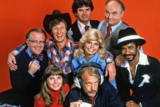 On this date in 1982 the series finale of WKRP in Cincinnati aired. The hit series first aired on September 18, 1978 and ran 4 seasons &amp; 90 episodes. #80s #80stv<br>http://pic.twitter.com/9jfVGFXKUj
