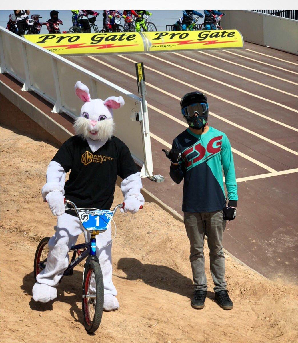 Did you guys get a chance to hang out with the #easterbunny?    #easterday #bmx #easteroutfit #bmxtrack #easteregghunt #bmxracing @usabmx  @whitneymesabmxtrack @pro_gate #progate #hendersonbmx #ridaz #usabmx #bicycles #easterride #bmxforever #bikes #easteregg<br>http://pic.twitter.com/iC4rO88lhC