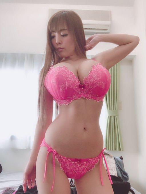 AV女優Hitomi(田中瞳)のTwitter自撮りエロ画像30