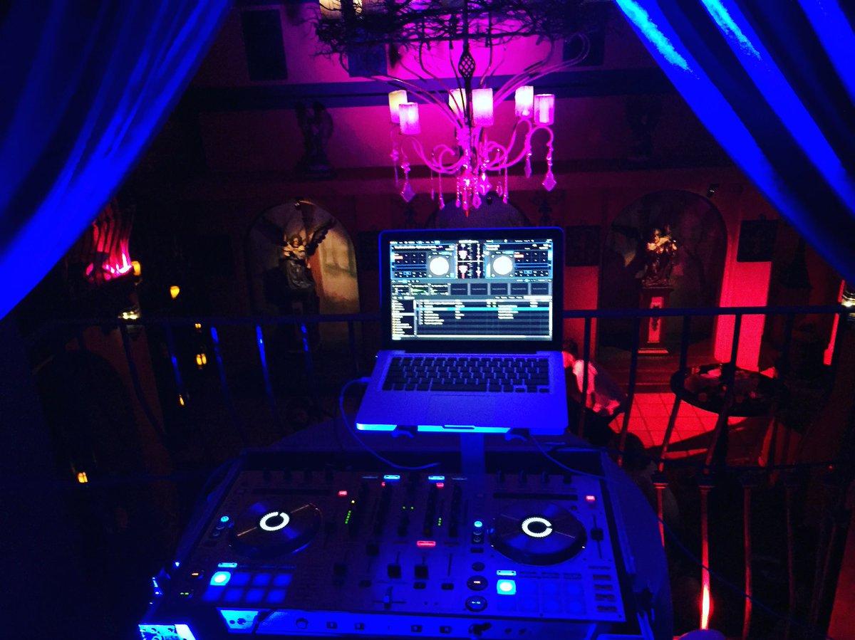 Neverland Chapel made one  One of the coolest DJ booths.... . . . . #dj #bestofthebest #djs #lasvegas #neverland #club #sheepxwolf #realdj #djlife #thrillervilla #michealjackson #vegas #easter #happyeaster #lasvegas #djs #thelife #blessed #sheepxwolf #instalove #weeklyfluff