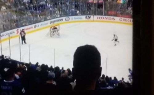 NHL fans were so annoyed with NBC as a Maple Leafs fan's head blo... http://bit.ly/2PoyNGp  #sport