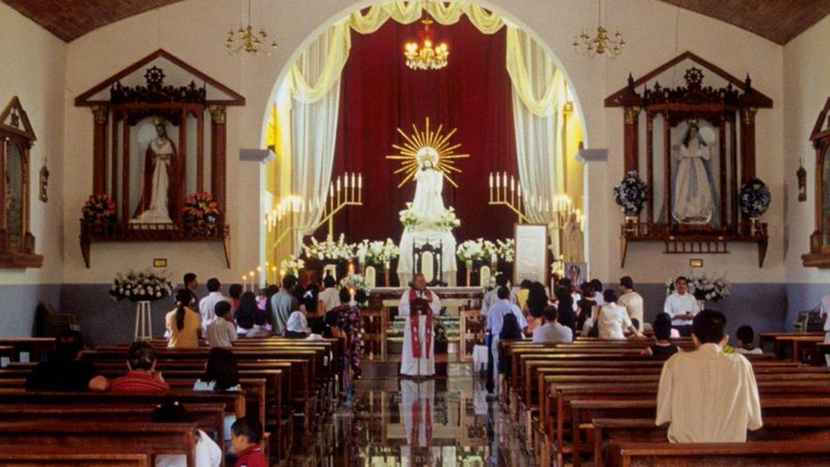 Desperate Catholic Church Now Offering Sainthood To Anyone Who Regularly Attends Weekly Mass trib.al/bdiWyuK