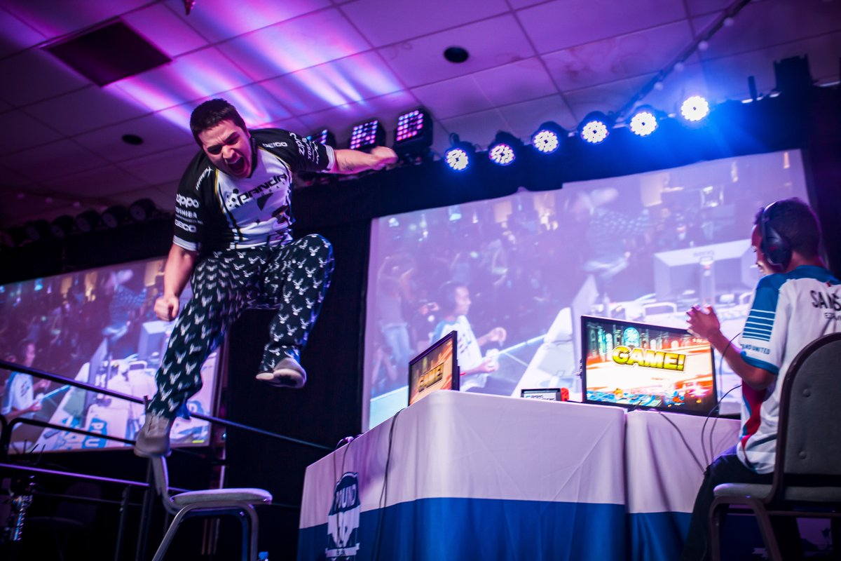 With the crowd on his side, @Marss_NE may be the SCARIEST player in Ultimate. Talk about a power up! #Pound2019   http:// twitch.tv/vgbootcamp  &nbsp;    : @nkp_photography <br>http://pic.twitter.com/ci3SCVHRZk
