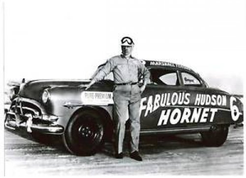 """68 years go today (22 April 1951) Marshall Teague drove his """"Teaguemobile"""" #Hudson Hornet to victory in the 150 mile #NASCAR Grand National race on the Arizona State Fairgrounds 1 mile dirt oval. https://bit.ly/2oyYoxx"""