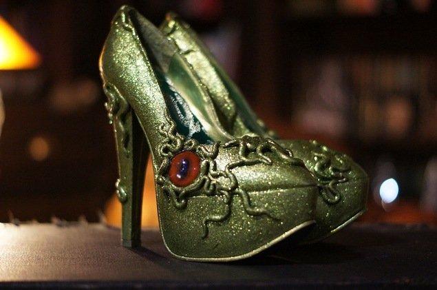 Брендовая обувь с приколами в картинках