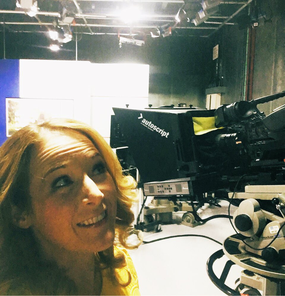 When you're stuck in a windowless studio and find yourself pretending the bright lights are bank holiday sunshine... #bankholiday #workingbankholiday #amnewsers #earlyshift #sunshine