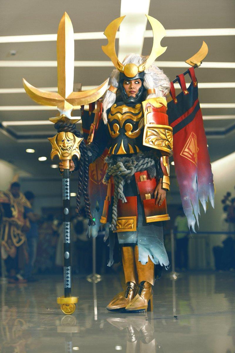 Legion Commander cosplay by Medha Vi (Dota 2) : gaming