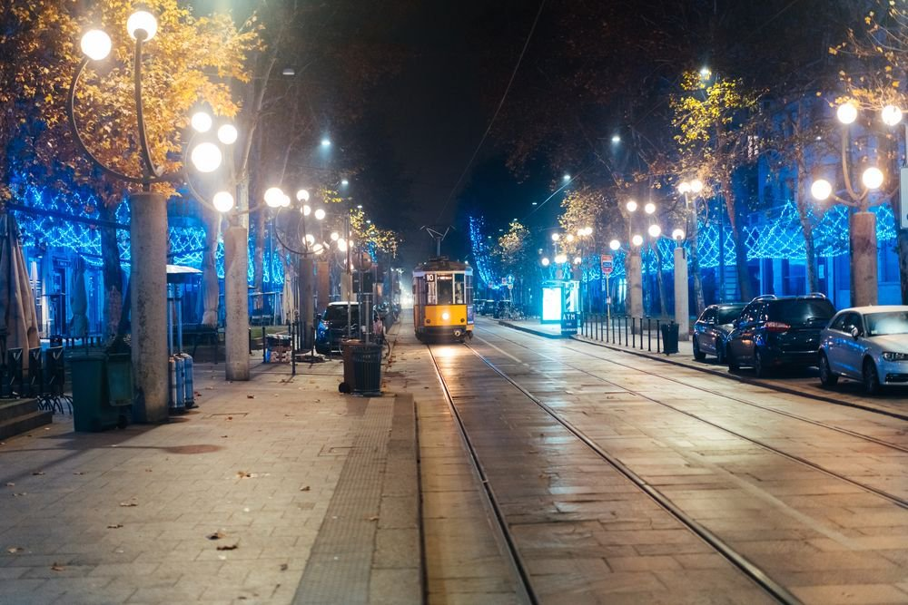 Percentage of people who do not feel safe walking alone at night where they live: Venezuela 88% El Salvador 72% Dominican Republic 67% Gabon 67% Liberia 65% Brazil 64% Afghanistan 64% South Africa 63% Botswana 62% Mauritania 61% <br>http://pic.twitter.com/oOZRHVEktE