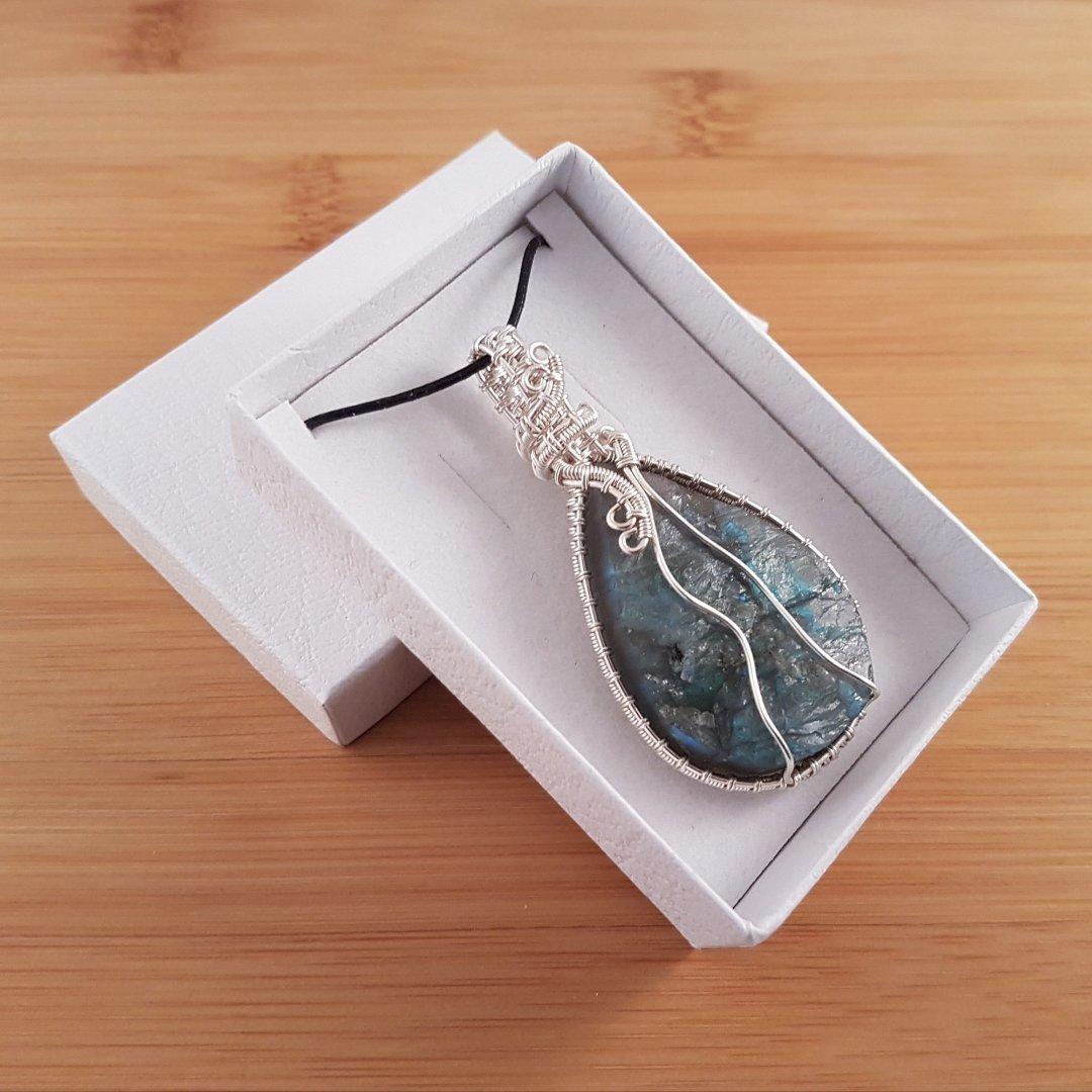 Rough labradorite drop pendant in white box