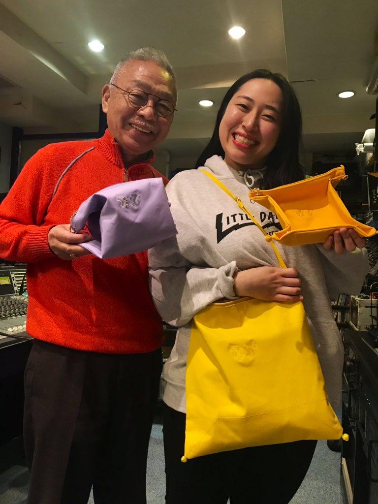 #radioneo #はなまる795 @Drcopa58 Dr.コパさん監修の多様型サコッシュが誕生✨ 大 黄色 中 薄紫 小 オレンジ セットでお取り扱いになります! 1番小さいサイズは小物入れにも 5/5コパさんのお誕生日を記念してリスナーさんへプレゼント企画もご用意しております 応募方法は近日中に発表します!