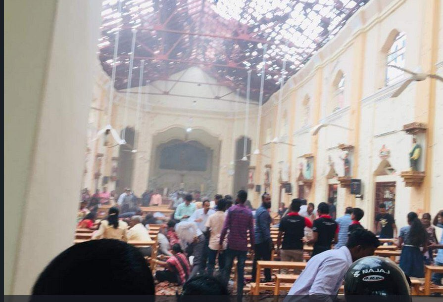test Twitter Media - حملات تروریستی و به خاک و خون کشیدن همنوعانمان در روز عید پاک در سریلانکا بار دیگر ضرورت و فوریت مبارزه با ریشه های خشونت، افراطی گری و تروریسم را به رخ کشید؛ چشم فروبستن بر این واقعیت و بی اعتنایی به آن بودایی، هندو، مسلمان، مسیحی و یهودی را در این آتش با هم می سوزاند. https://t.co/ln5A4Xqqac