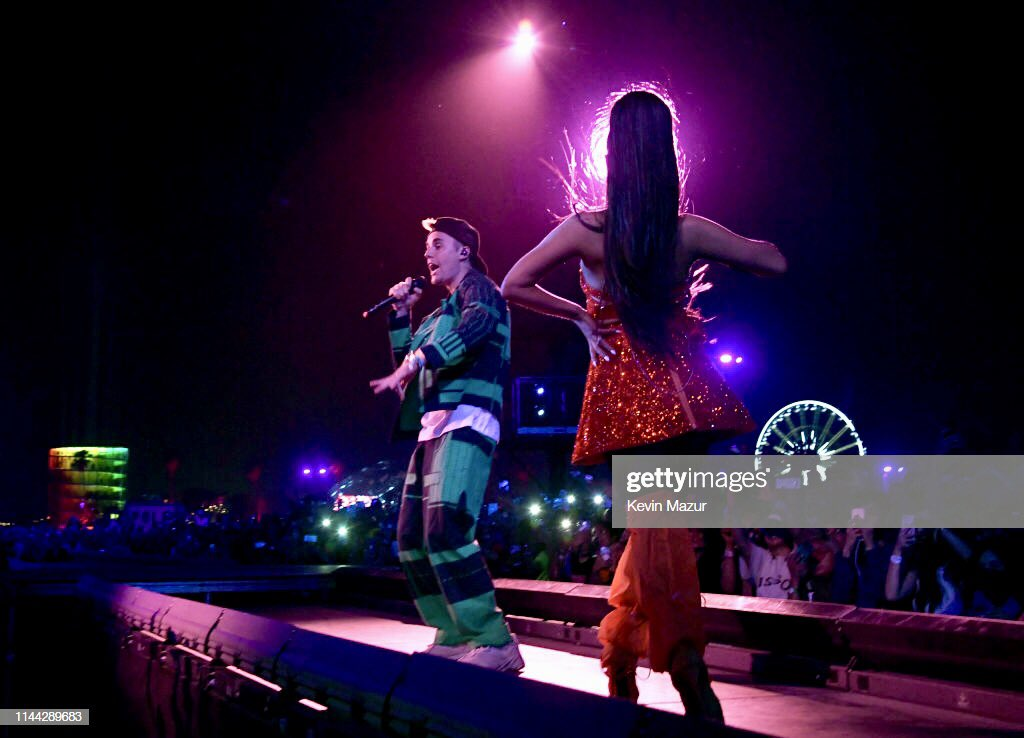 Ariana brought out @JustinBieber as a surprise guest during her #Coachella performance last night  #ARICHELLA <br>http://pic.twitter.com/mqrY7X9yxW