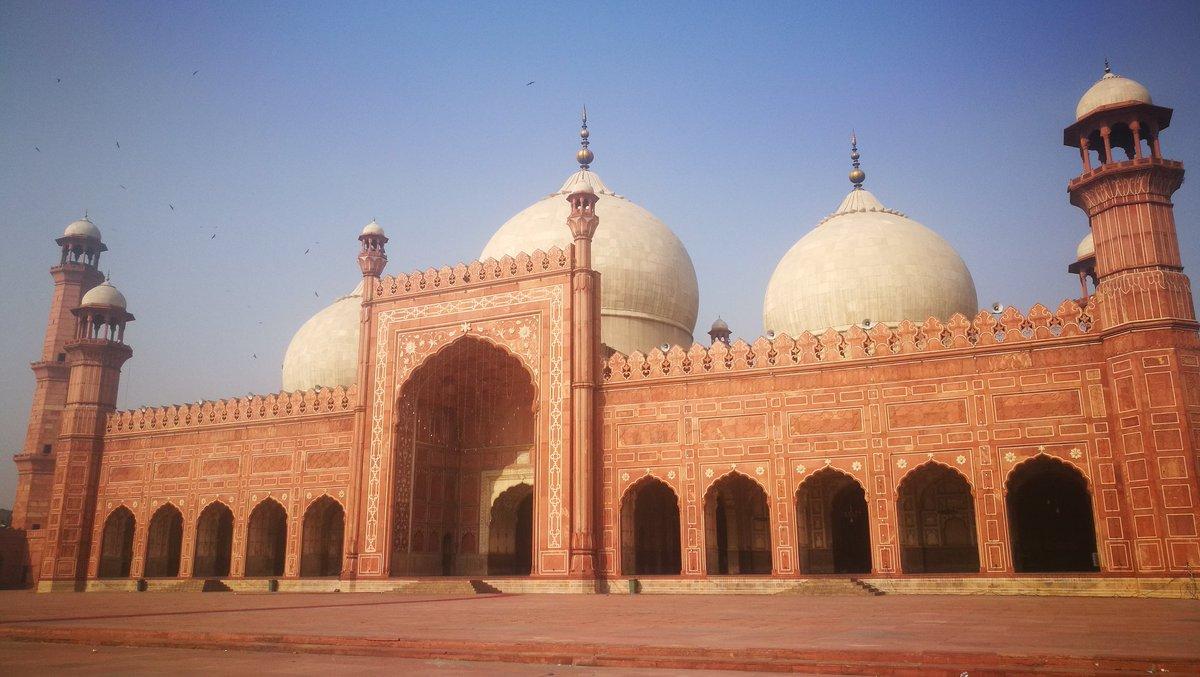 Badishahi mosque lahore pakistan. #LineOfDuty #LahoreHighCourt #lahore #foodstreet #cityvthfc #Pakistani
