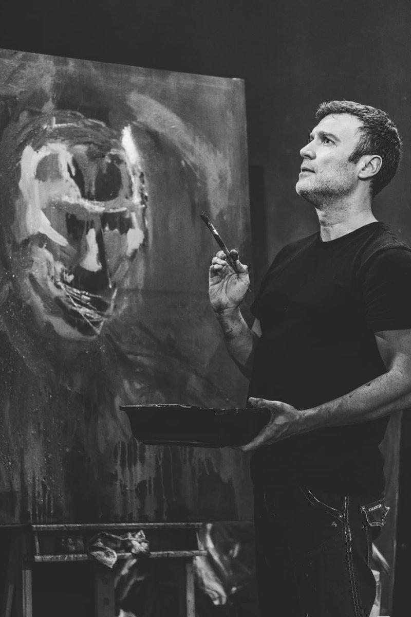 EL HOMBRE Y EL LIENZO de @albertigo75  con Javier Ruiz de Alegría  Estreno: 16, 17, 19 Mayo en @teatrobarrio https://www.teatrodelbarrio.com/el-hombre-y-el-lienzo-surge-madrid-2019/… …  Contando los días... #SurgeMadrid #teatro #ocio #Madrid #pintura #artes Foto @ecamcito